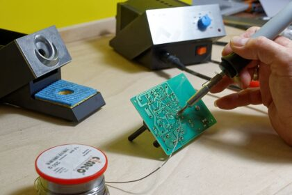 How To Clean Solder Off A Circuit Board